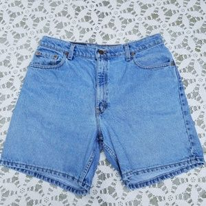 Levi's Shorts - Levi's 550 Relaxed Fit Ladies 15 Shorts Retail 50